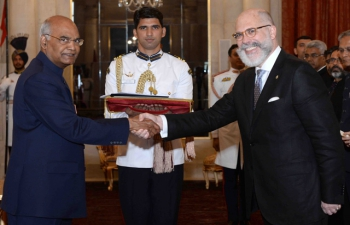 <strong>The Ambassador of Uruguay, His Excellency </strong><strong>Mr. Álvaro A Malmierca  </strong><strong>presented his credentials to the President of India, Shri</strong><strong>Ram  Nath Kovind</strong><strong>  at Rashtrapati Bhavan on July 11, 2018.</strong>